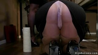 Manager lezzy lawyer Bella Rossi made hot blonde big bootie employee Summer Day cleaning floor and then whipped her bootie